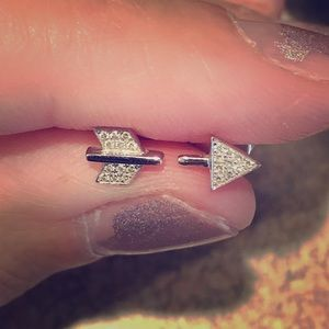Diamond Arrow Studs 14k
